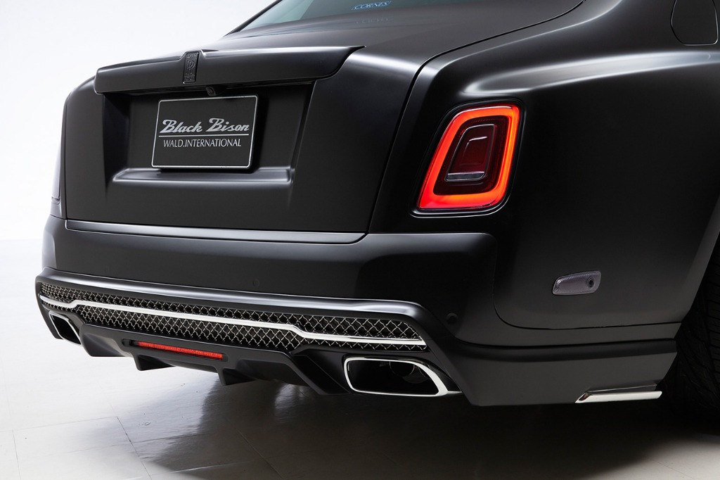 wald rolls royce phantom 8 viii black bison body kit rear bumper 2018 studio angle