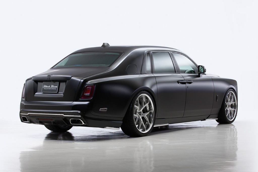 wald rolls royce phantom 8 viii black bison body kit rear bumper side skirt set i13f wheel rim 2018 rear angle studio
